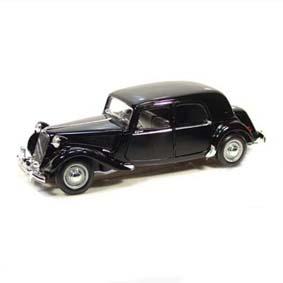 Miniaturas de Carros Maisto do Brasil Citroen 15CV 6 CYL (1952) escala 1/18