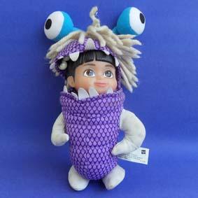 Boneca Boo Monstros S/A Disney com Fantasia (aberto)