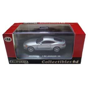 Miniatura Jaguar XK com caixa de acrílico (escala 1/64)