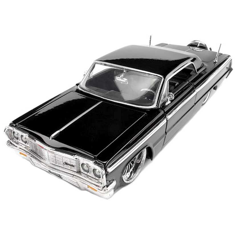 1964 Chevrolet Impala preto (Retro Chevy) marca Jada Toys escala 1/24