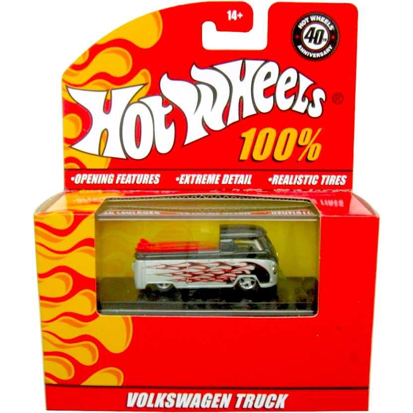 2007 Hot Wheels VW Kombi com 2 pranchas de surf - Volkswagen Truck escala 1/64 LACRADO