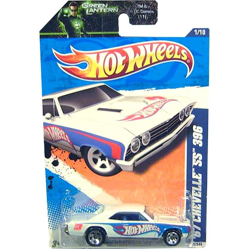 2011 Hot Wheels 67 Chevelle SS 396 branco T9963 series 1/10 151/244 escala 1/64