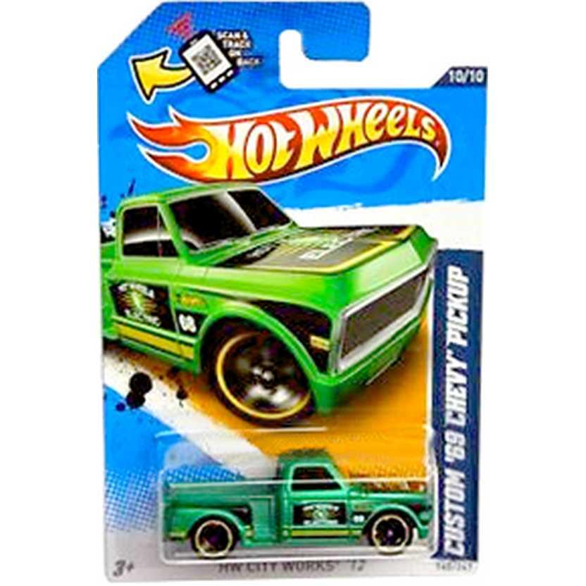 2012 Hot Wheels Custom 69 Chevy Pickup verde V5444 series 10/10 140/247 escala 1/64