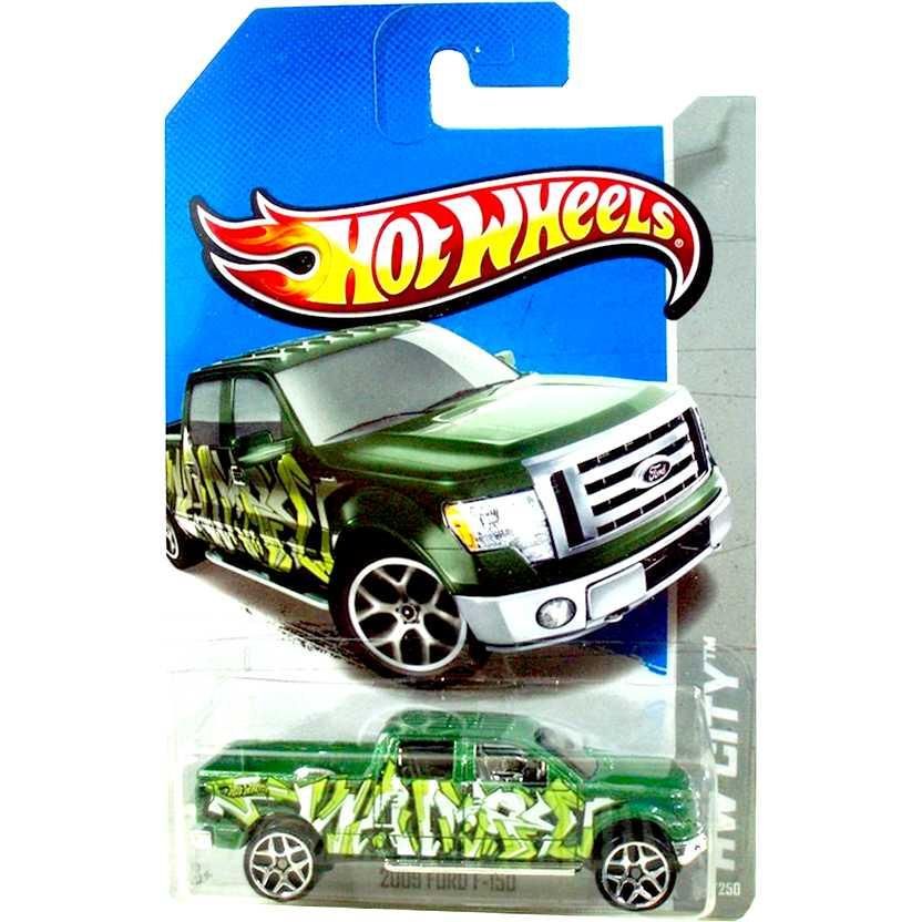 2013 Hot Wheels 2009 Ford F-150 verde X1882 series 38/250 escala 1/64