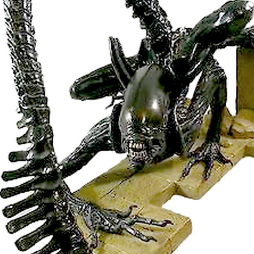 Alien Warrior Kotobukiya Alien vs. Predator AVP ARTFX Vinyl Statue