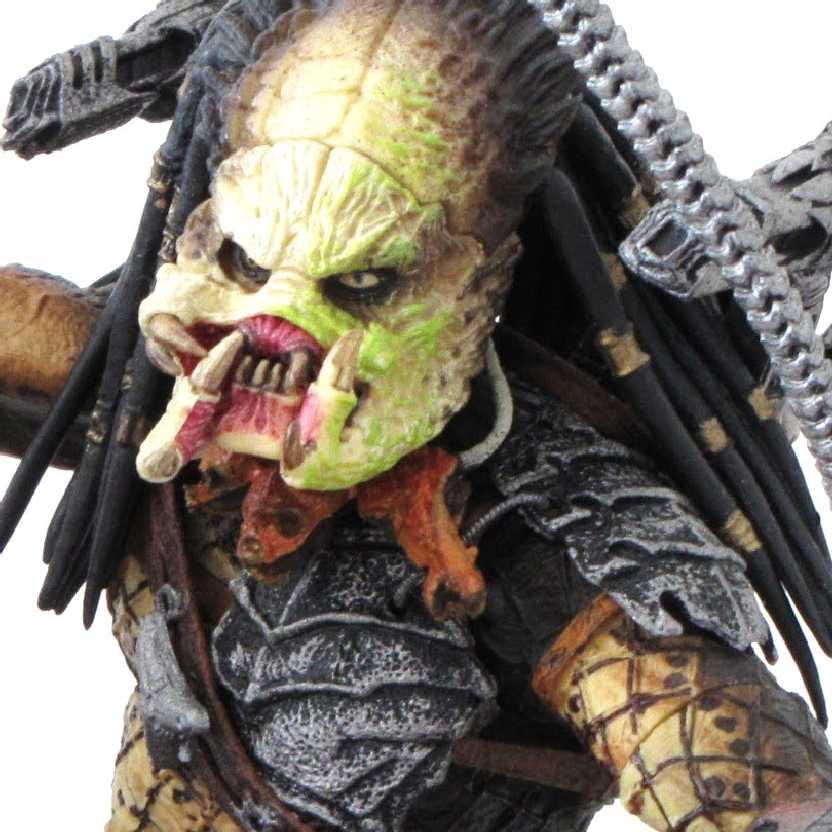 Aliens Vs Predator Requiem: Unmasked Predator/Predador Neca Action Figure (ABERTO)