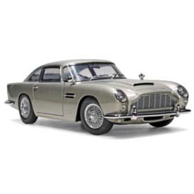 Aston Martin DB5 (1965) James Bond 007 marca AutoArt escala 1/18