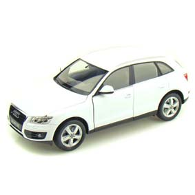 Audi Q5  escala 1/24 marca Welly