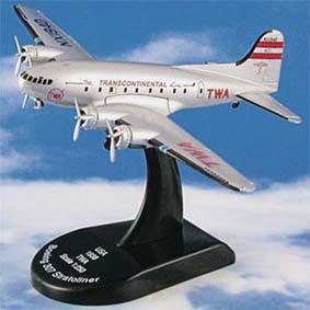 Avião Boeing 307 Stratoliner TWA