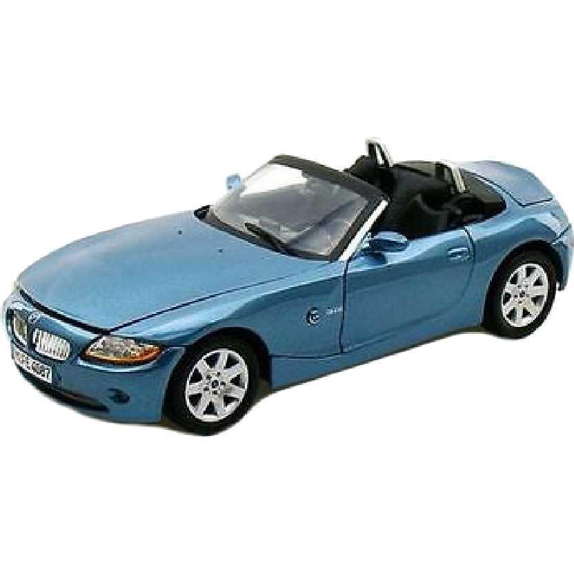 BMW Z4 azul metálico marca Motormax escala 1/18