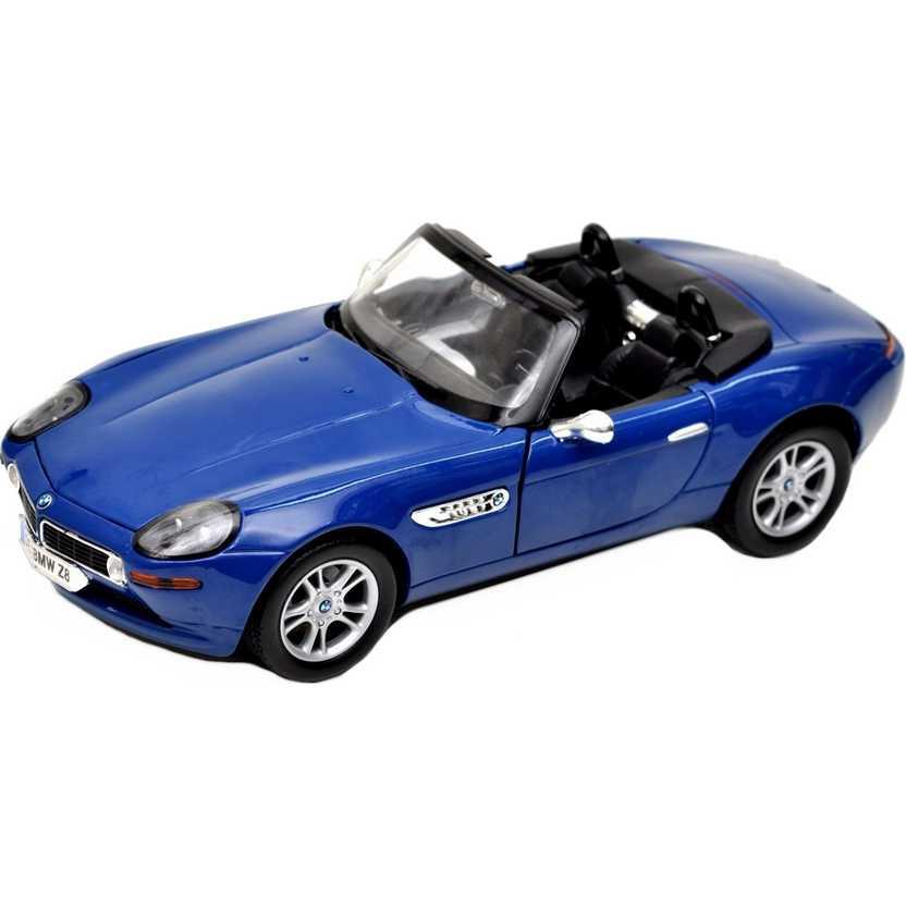 BMW Z8 Roadster 2001 azul marca Motormax escala 1/18