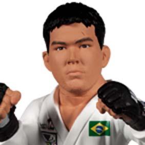 Boneco Lyoto Machida UFC The Dragon (aberto) com kimono de Karatê Brasil