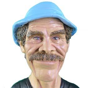 Busto do Sr. Madruga ( Ramón Valdés )
