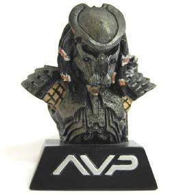 Busto Predator pq.