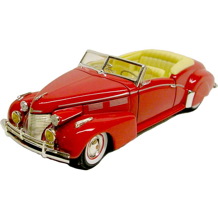 Cadillac Sedan series 62 (1940) marca Signature Models escala 1/32