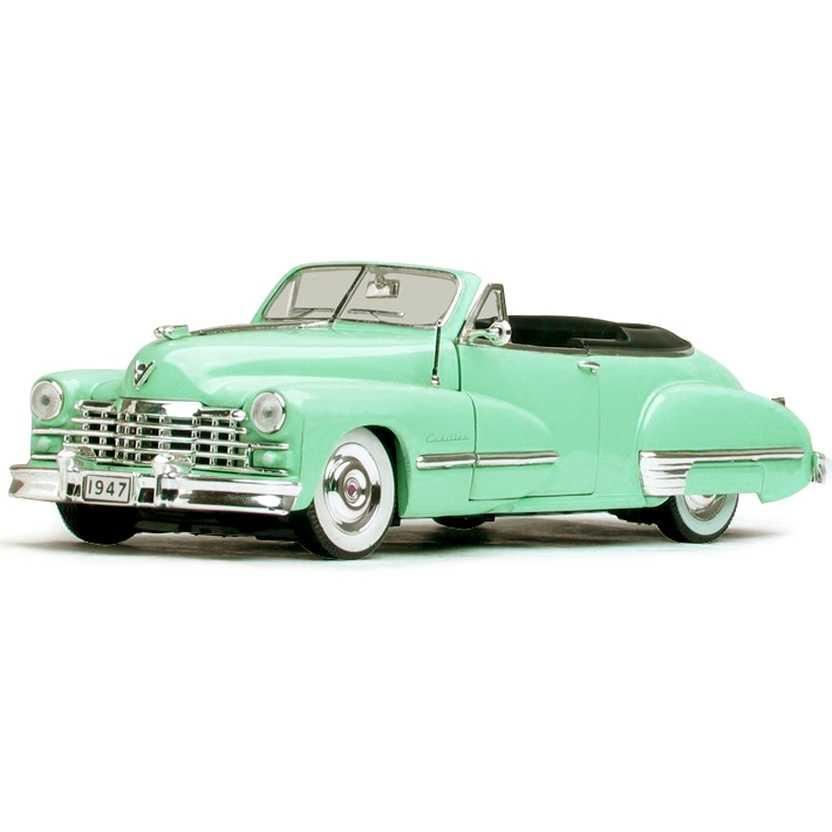 Cadillac serie 62 conversível (1947) miniaturas Signature Models escala 1/32