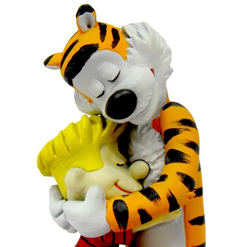 Calvin abraçando Haroldo