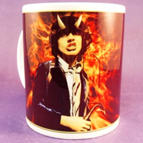 Caneca do guitarrista Angus Youg ( Angus McKinnon Young ) do AC/DC