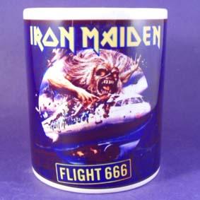 Caneca do Iron Maiden Flight 666 Eddie (em cerâmica)
