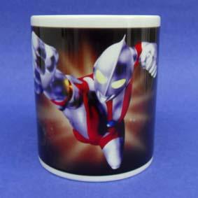 Caneca do Ultraman (em cerâmica)