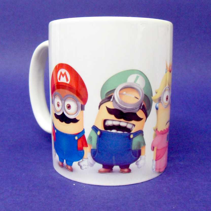 Caneca Minions fantasiados de Mario, Luigi, Peach e Toad ( pode ir ao microondas )