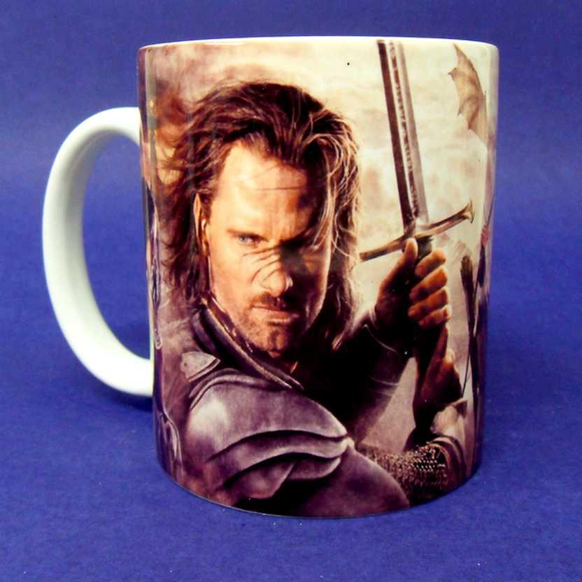 Caneca O Senhor dos Anéis - Aragorn, Gandalf, Legolas, Frodo e Gimli (pode ir ao microondas)
