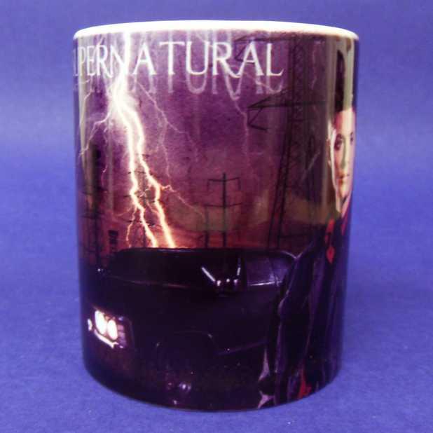 Caneca Supernatural (Sobrenatural) Dean + Impala ( pode ir ao microondas )