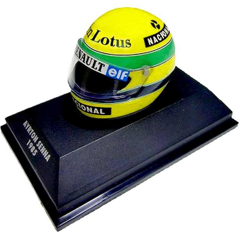 Capacete Ayrton Senna Bell Team Lotus 97T/Renault (1985) Minichamps escala 1/8