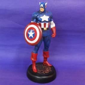 Capitão América com base brasão