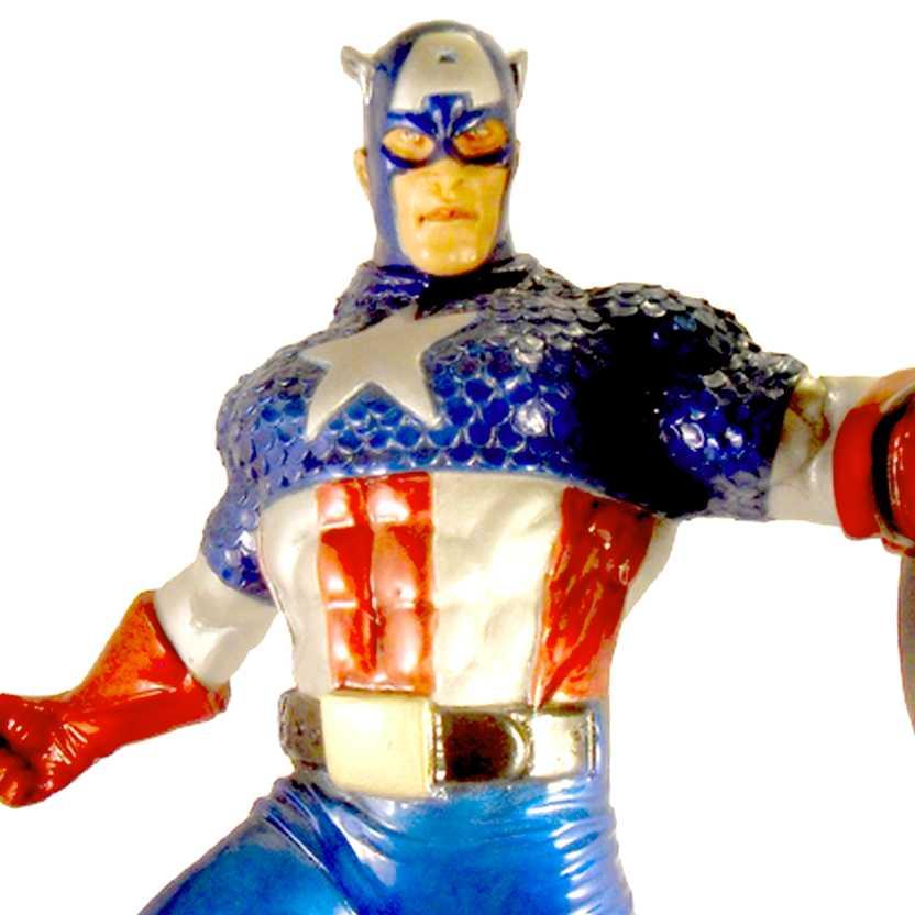 Capitão América na rocha