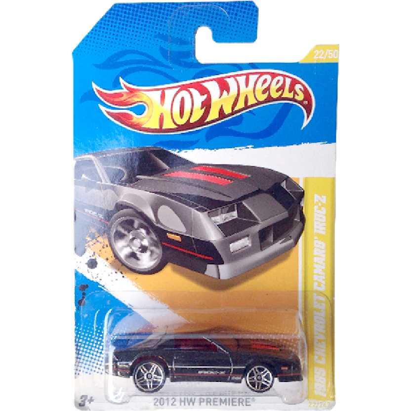 Carrinho 2012 Hot Wheels 1985 Chevrolet Camaro IROC-Z series 22/50 22/247 V5602 escala 1/64