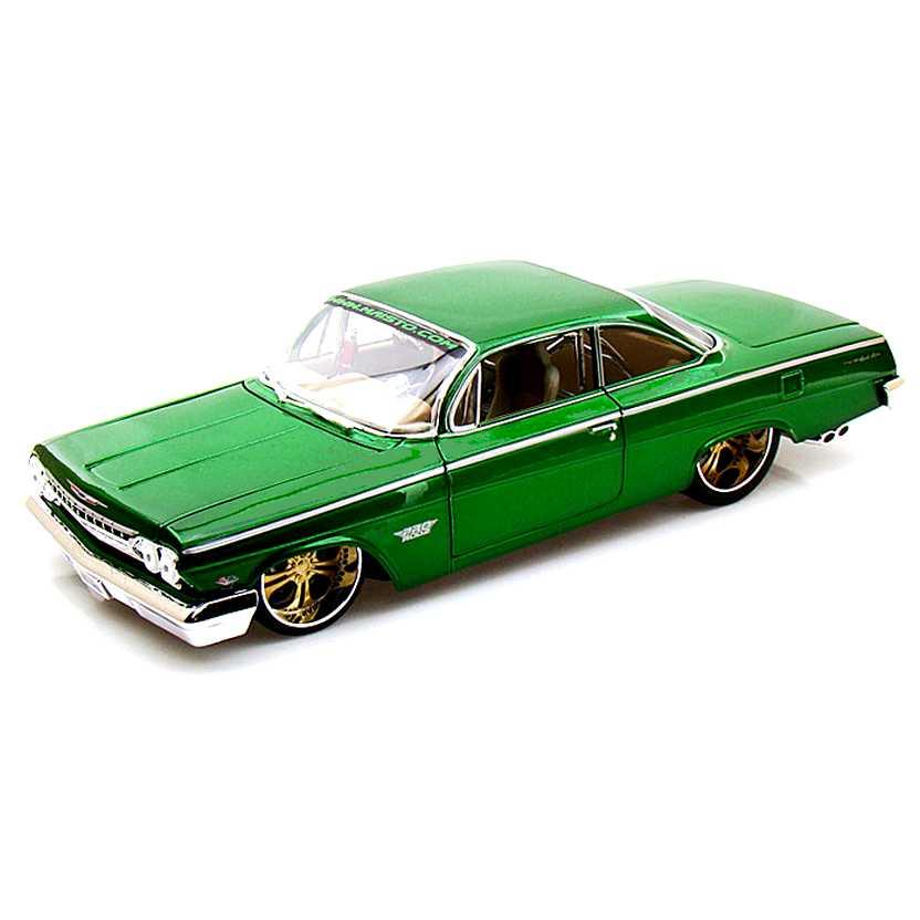 Chevrolet Bel Air 1962 verde (Pro Rodz) marca Maisto escala 1/18 LACRADO