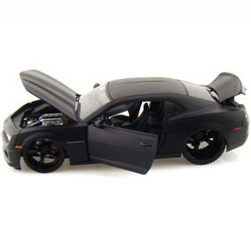 Chevrolet Camaro Jada Toys escala 1/18 :: Miniatura do Camaro SS 2010 preto fosco