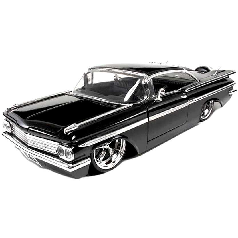 Chevrolet Impala preto (1959) Chevy marca Jada Toys escala 1/24