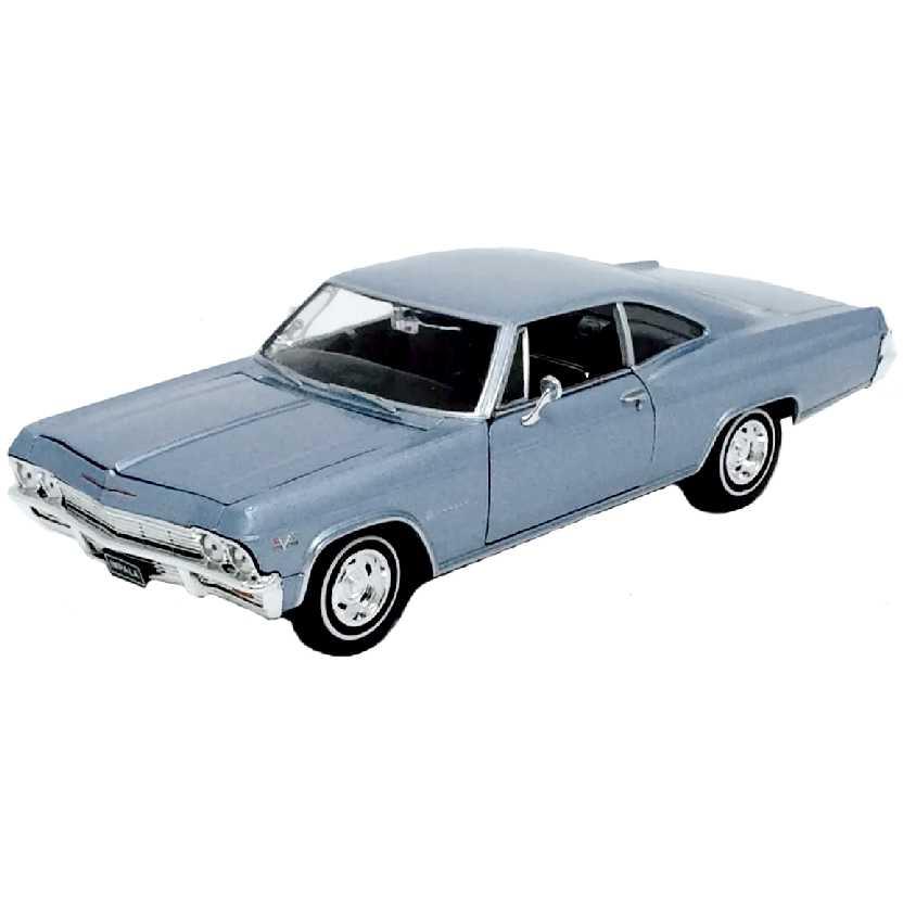 Chevrolet Impala SS 396 azul metálico (1965) marca Welly escala 1/24