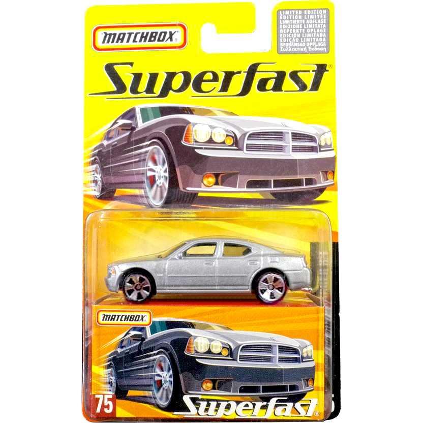 Coleção 2005 Matchbox Superfast 2006 Dodge Charger R/T #75 H7808 escala 1/64