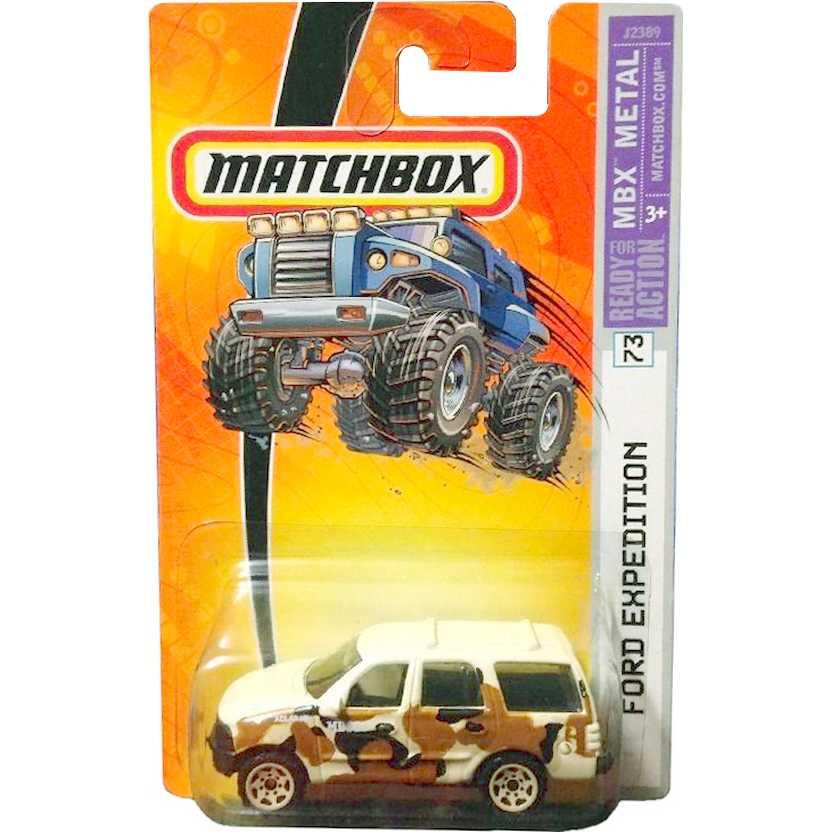 Coleção 2006 Matchbox Ford Expedition camuflado número 73 J2389 escala 1/64