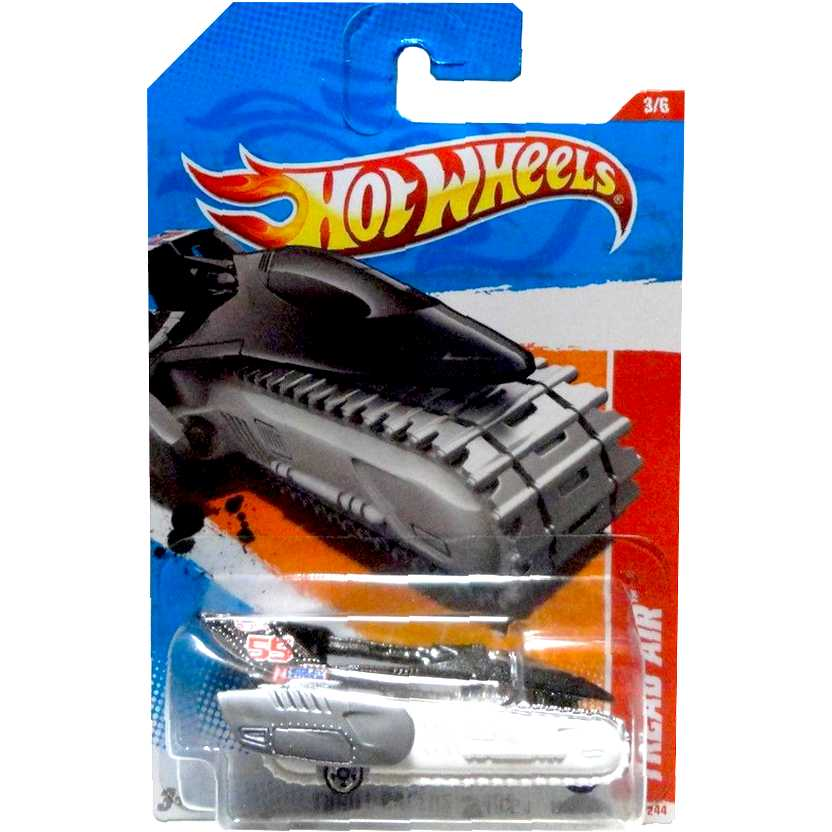 Coleção 2011 Hot Wheels Tread Air series 3/6 195/244 T9902 escala 1/64
