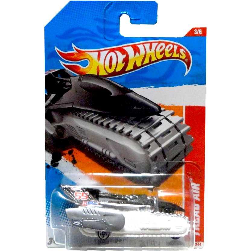 Coleção 2011 Hot Wheels Tread Air series 3/6 195/244 T9902 escala 1/64