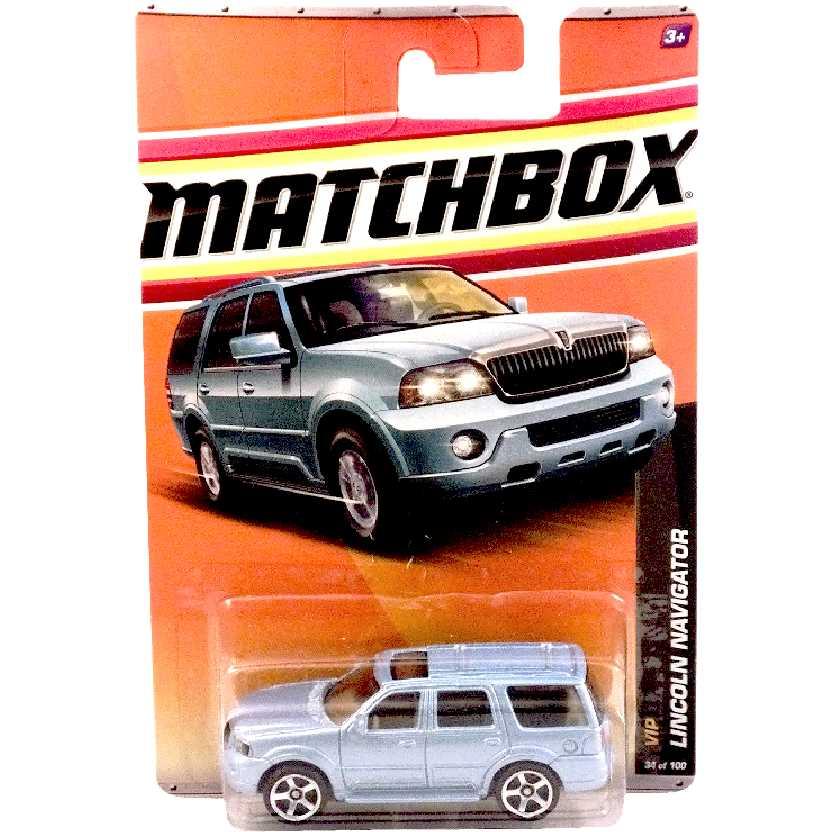 Coleção 2011 Matchbox Lincoln Navigator 34/100 W2825 escala 1/64