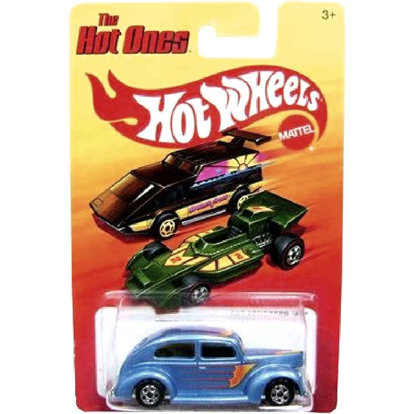 Coleção 2011 The Hot Ones Hot Wheels Fat Fendered 40 W1558 escala 1/64