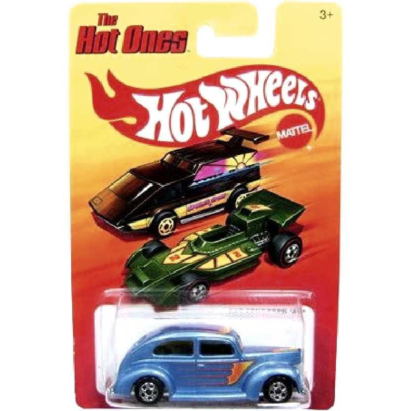 Coleção 2011 The Hot Ones Hot Wheels Fat Fendered 40 W1558 escala 1/64