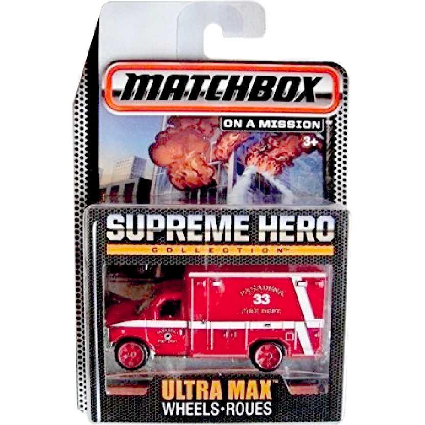 Coleção Bombeiros Matchbox Supreme Hero 2009 Ford E-350 Ambulance CGF96 escala 1/64