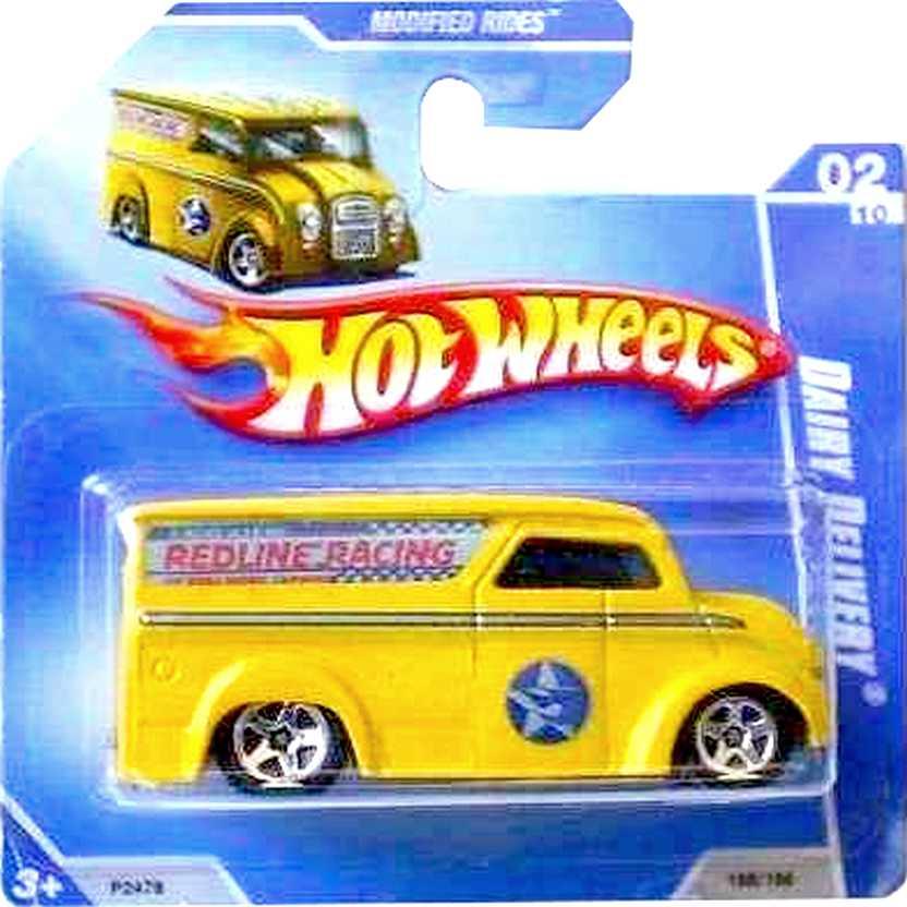 Coleção Hot Wheels 2009 Dairy Delivery amarelo P2478 series 02/10 158/166 escala 1/64