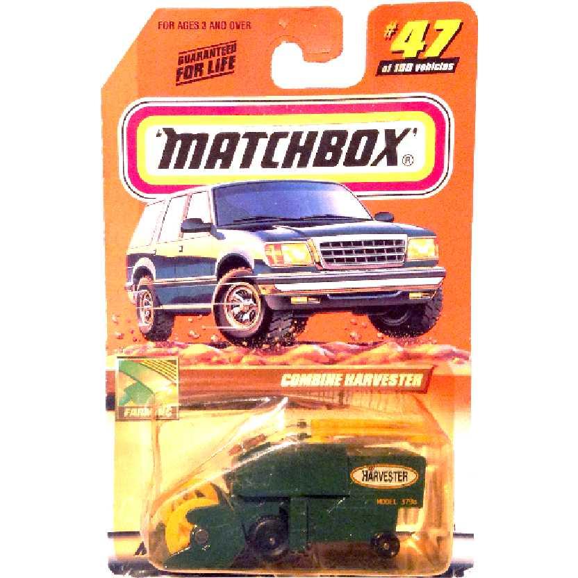 Coleção Matchbox 2000 Colheitadeira Combine Harvester series 47/100 96334 escala 1/64