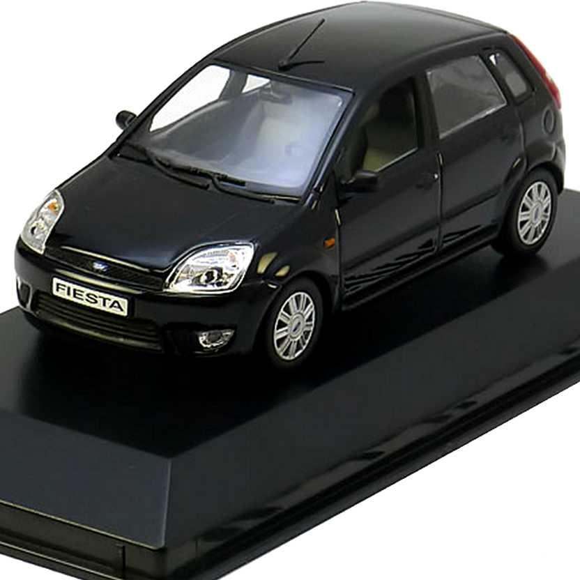 Coleção Minichamps carros inesquecíveis do Brasil - Ford Fiesta preto (2001) escala 1/43