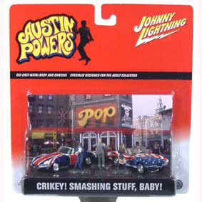 Conjunto Austin Powers (2 carros + 3 figuras)