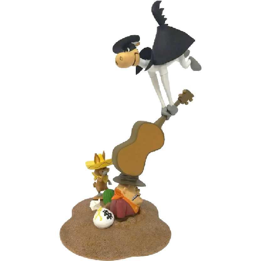 Diorama Pepe Legal El Kabong com Babalu (aberto) Hanna Barbera McFarlane Toys