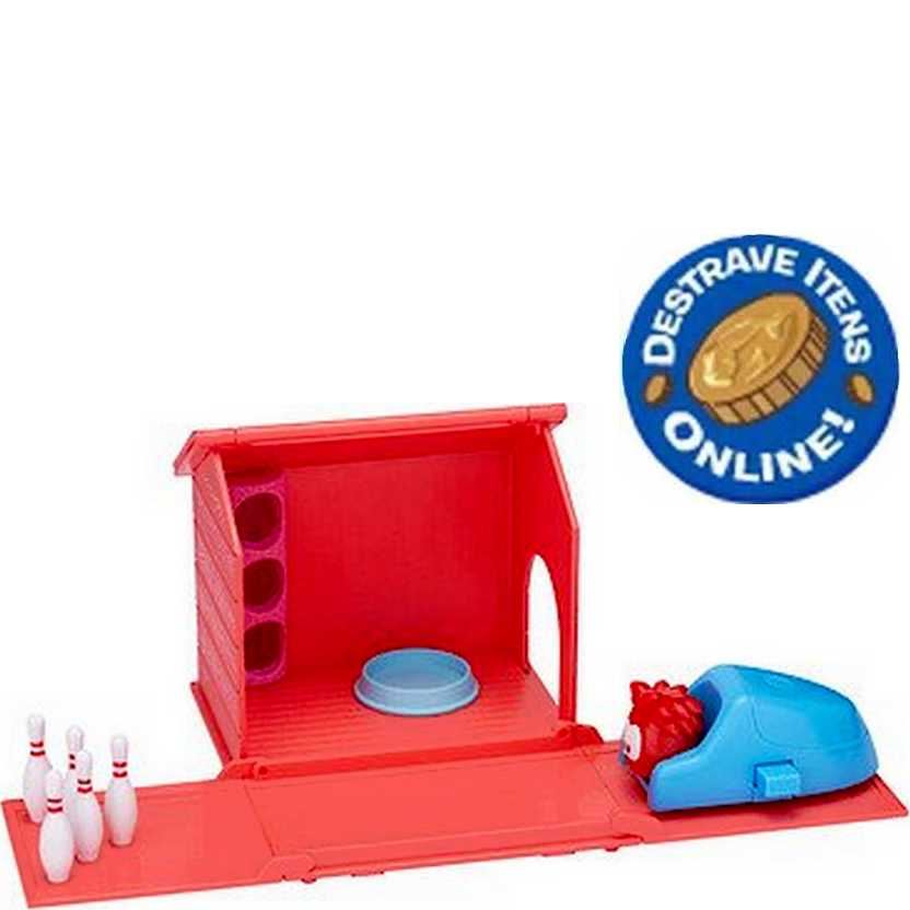 Disney Club Penguin Puffle World Playset Bowling Alley + Red Puffle + código para destravar