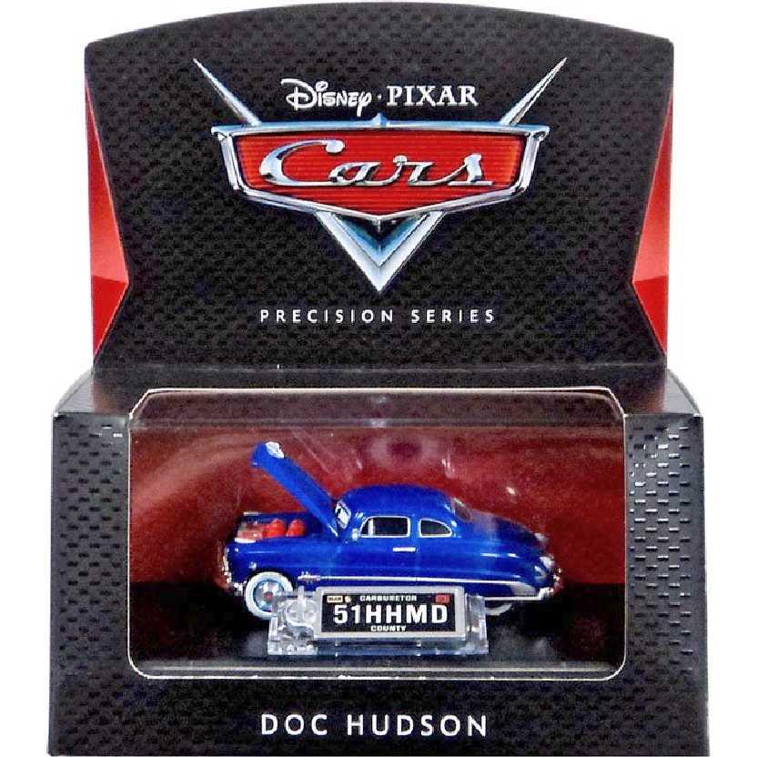Disney Pixar Cars Precision Series Doc Hudson (abre o capô do motor) com caixa de acrílico